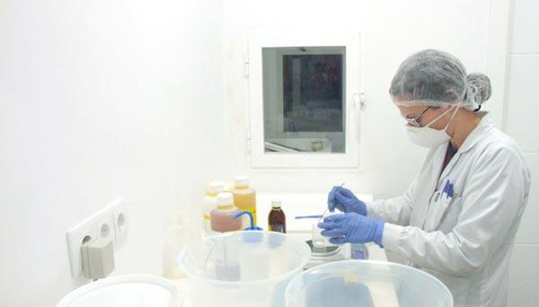 Equipo profesional de Trylab, laboratorio de cosméticos