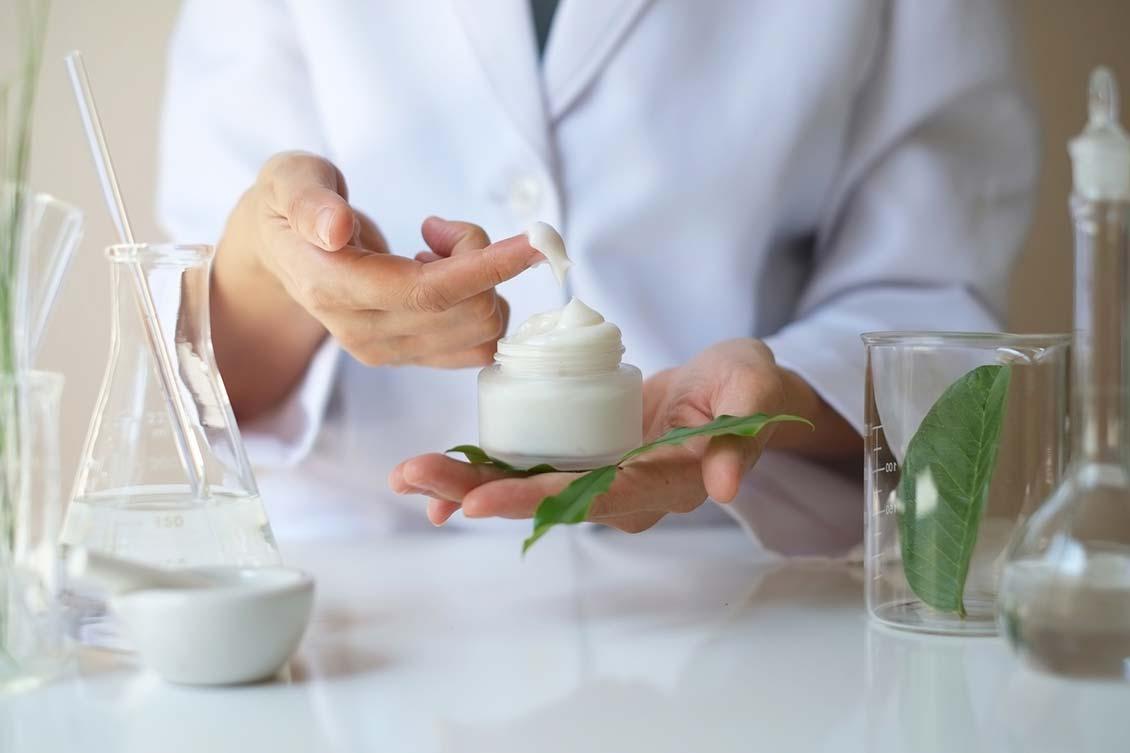 laboratorio-cosmetico.jpg